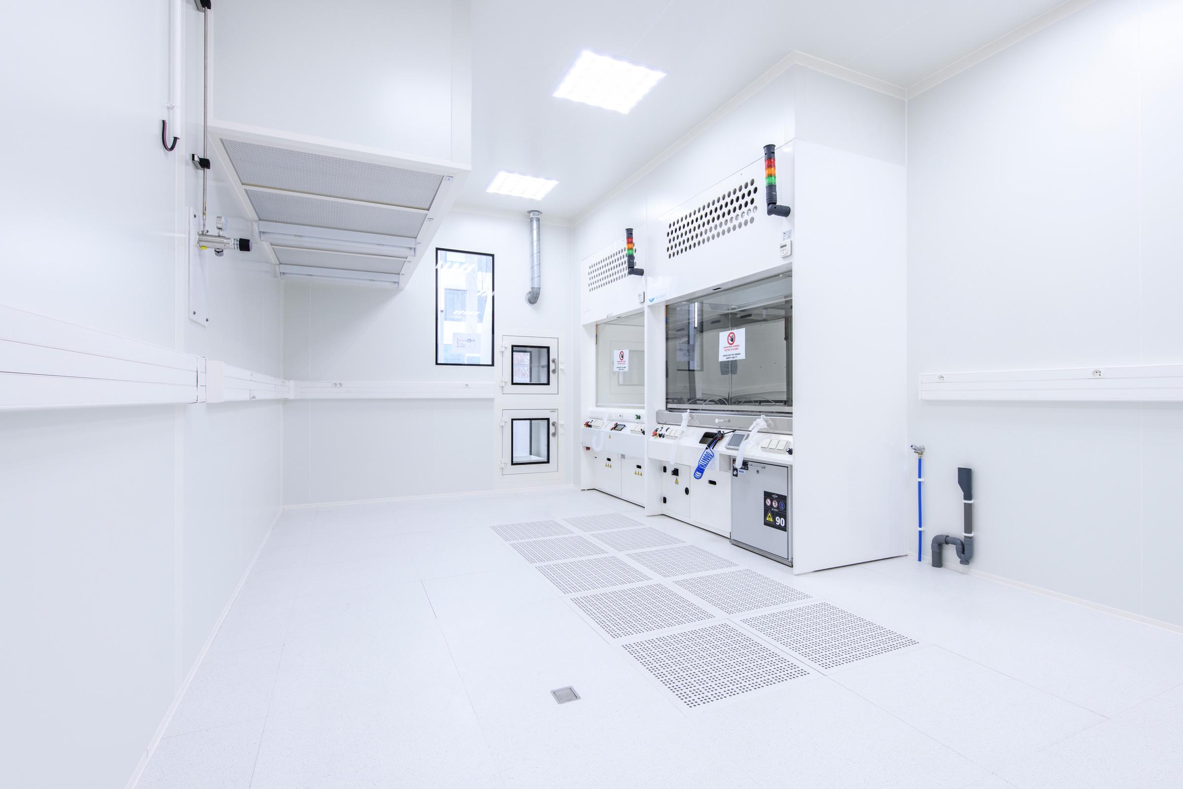 Centre de Nanosciences et de Nanotechnologies (C2N) header image